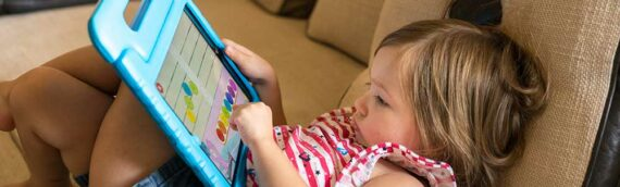 Kids' Posture Problems Caused by Technology (and Adults!)